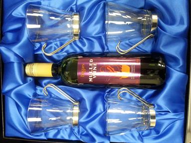 Mulled Wine and Glasses Gift Set